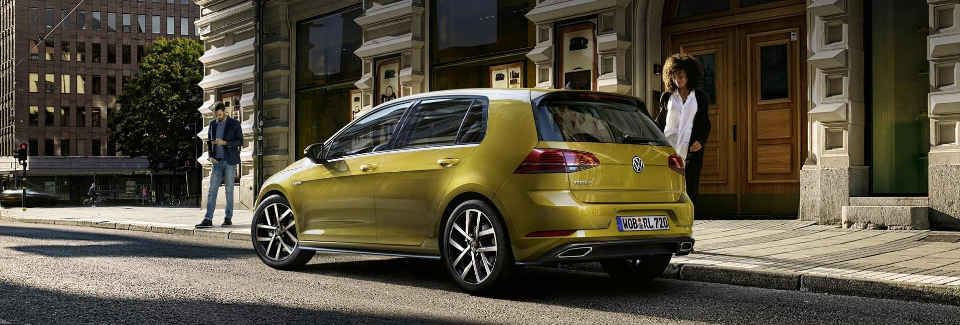 <p>Volkswagen GOLF</p>